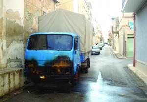 camion bruciato (1)