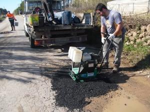 tecnici al lavoro sulle strade provinciali
